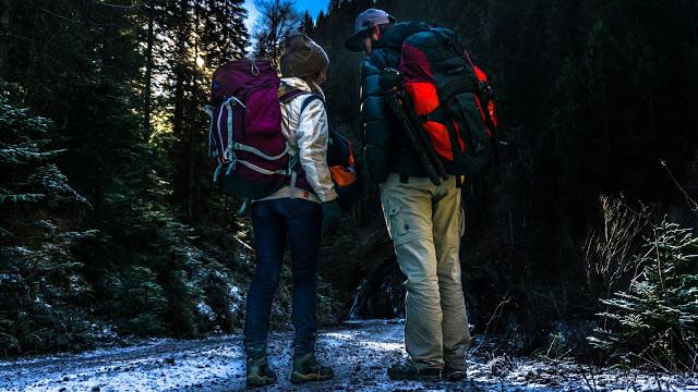 SerialHikers stop autostop world monde tour hitchhiking aventure adventure alternative travel voyage sans avion no fly backpacks sacs dos contenu content