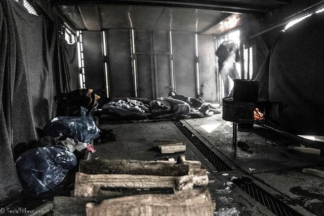 SerialHikers travel from Afghanistan to Europe roadtrip rencontre refugees migrand réfugiés Pakistan Belgrade Serbia Beograd squat organisations associations humanitarian humanitaires