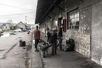 Jul&Gaux SerialHikers autostop hitchhiking aventure adventure alternative travel voyage volontariat volonteering belgrade sweet squat migrants