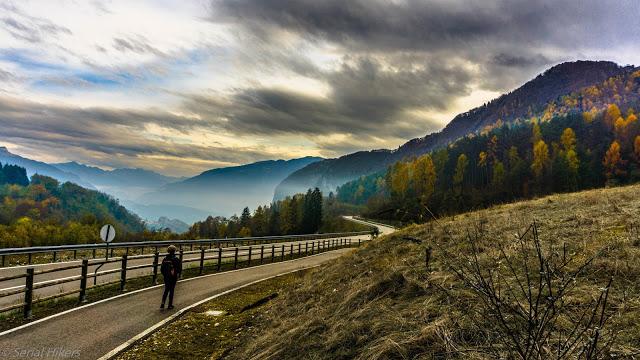 Jul&Gaux SerialHikers autostop hitchhiking aventure adventure alternative travel voyage volontariat volonteering lac de garde