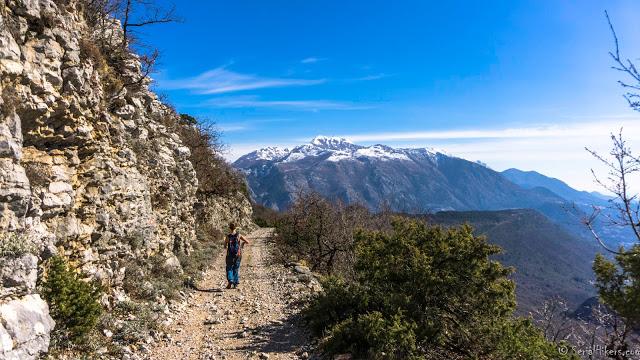 Randonée 360, de Tivat à Kotor - Monténégro SerialHikers voyage roadtrip adventure aventure economic economique alternative backpacker montagne