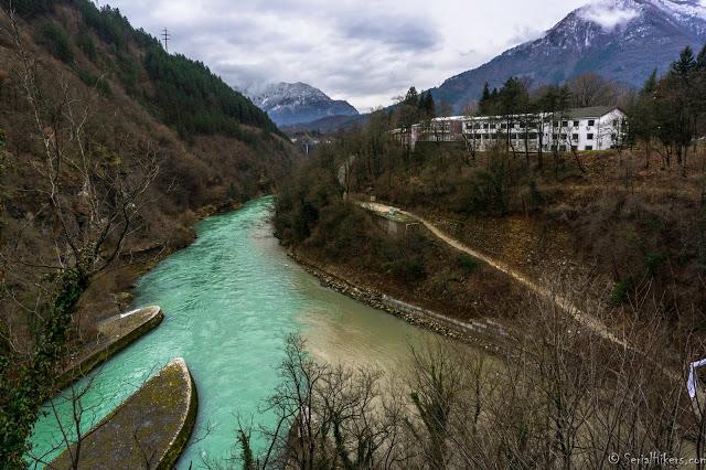 Le pont ferroviaire détruit trois fois - Bosnie-Herzégovine voyage travel roadtrip tour du monde jablanica bosnia insolite adventure aventure