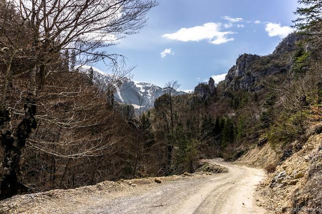 Jul&Gaux SerialHikers autostop hitchhiking aventure adventure alternative travel voyage volontariat volonteering kosovo rugova