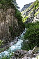 Jul&Gaux SerialHikers autostop hitchhiking aventure adventure alternative travel voyage volontariat volonteering kosovo rugova canyon gorges