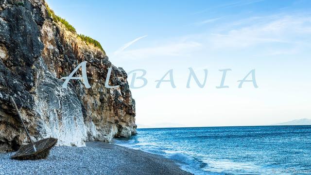 Jul&Gaux SerialHikers autostop hitchhiking aventure adventure alternative travel voyage volontariat volonteering destination albania