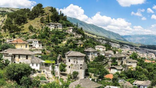 DSC03606-Panorama-1-520x293 Berat et Gjirokaster, nos villes coups de coeur en Albanie Albanie Europe  Ville Patrimoine Balkans