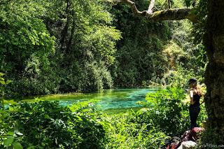 Blue Eye - Albanie SerialHikers road trip travel adventure aventure autostop hitchhiking backpacker albania source spring water pure