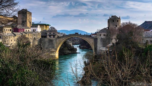 SerialHikers stop autostop world monde tour hitchhiking aventure adventure alternative travel voyage sans avion no fly bosnie herzégovine bosnia mostar bridge pont