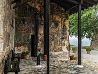 Kastoria, joyau niché entre lac et montagnes - Grèce jul gaux serialhikers autostop hitchhiking volonteering volontariat aventure voyage alternatif tour du monde world trip travel lake mountains orthodox monastries