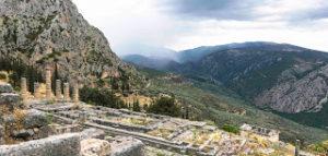 Jul&Gaux SerialHikers autostop hitchhiking aventure adventure alternative travel voyage volontariat volonteering delphi ancient greece archaeological