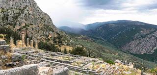 SerialHikers stop autostop world monde tour hitchhiking aventure adventure alternative travel voyage sans avion no fly grèce greece delphi ancient greece archaeological