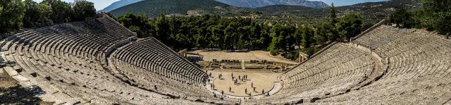 Jul&Gaux SerialHikers autostop hitchhiking aventure adventure alternative travel voyage epidaure epidavros theatre theater grece antique