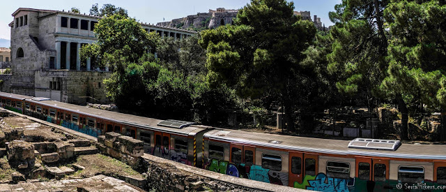 Sur les traces de la Grèce antique serial hikers jul gaux jul&gaux autostop adventure aventure hitchhiking volonteering volontariat tour du monde voyage alternatif world trip travel ruins archaeological subway metro athens