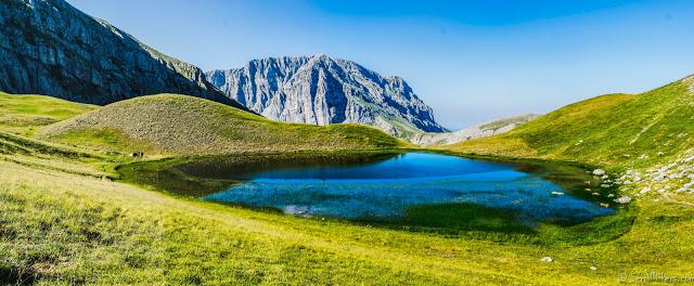 Jul&Gaux SerialHikers autostop hitchhiking aventure adventure alternative travel voyage volontariat volonteering lake lac dragon zagori mountains montagnes hiking trek randonnee