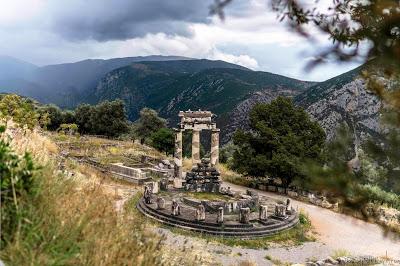 SerialHikers stop autostop world monde tour hitchhiking aventure adventure alternative travel voyage sans avion no fly greece grèce delphi ancient