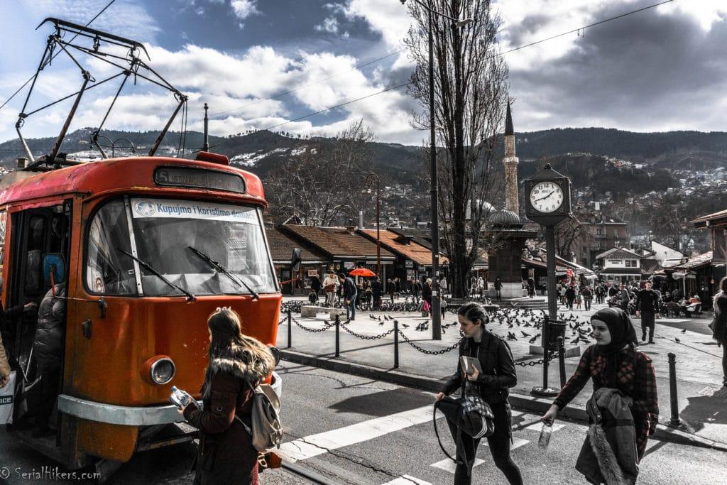 Jul&Gaux SerialHikers autostop hitchhiking aventure adventure alternative travel voyage volontariat volonteering couchsurfing trustroots sarajevo bosnie herzegovine