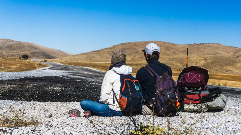 Jul&Gaux SerialHikers autostop hitchhiking aventure adventure alternative travel voyage volontariat volonteering nemrut