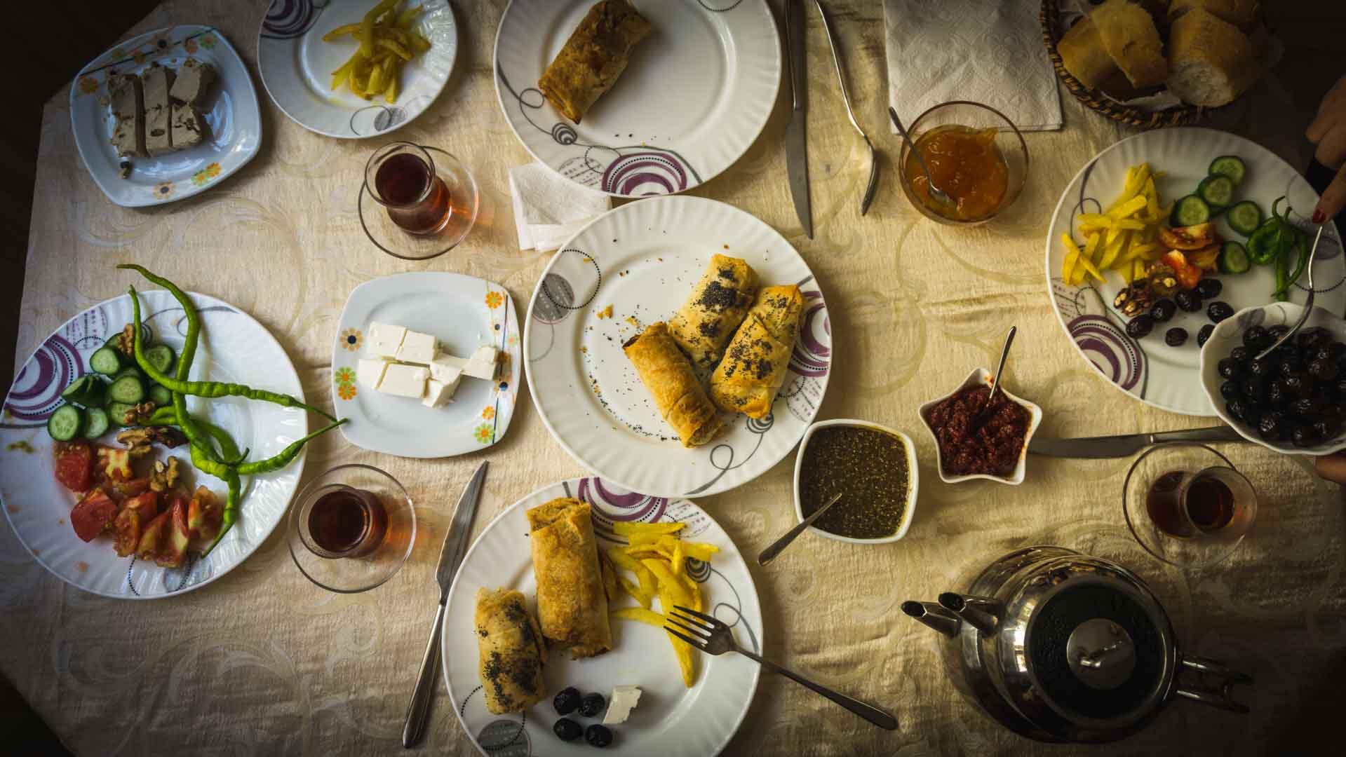 SerialHikers stop autostop world monde tour hitchhiking aventure adventure alternative travel voyage sans avion no fly recettes turques turkish recipes