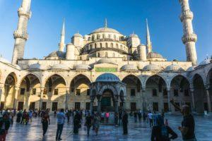 Istanbul turkey turquie serialhikers voyage alternatif autostop volontariat hitchhiking volonteering tour du monde mosque