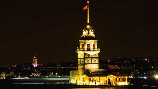 Istanbul turkey maiden tower turquie serialhikers voyage alternatif autostop volontariat hitchhiking volonteering tour du monde