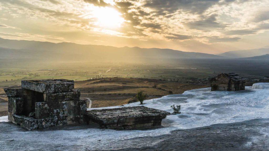 Turquie pamukkale hierapolis Turkey serialhikers tour du monde world trip voyage alternatif autostop hitchhiking volontariat volonteering adventure aventure cotton castle