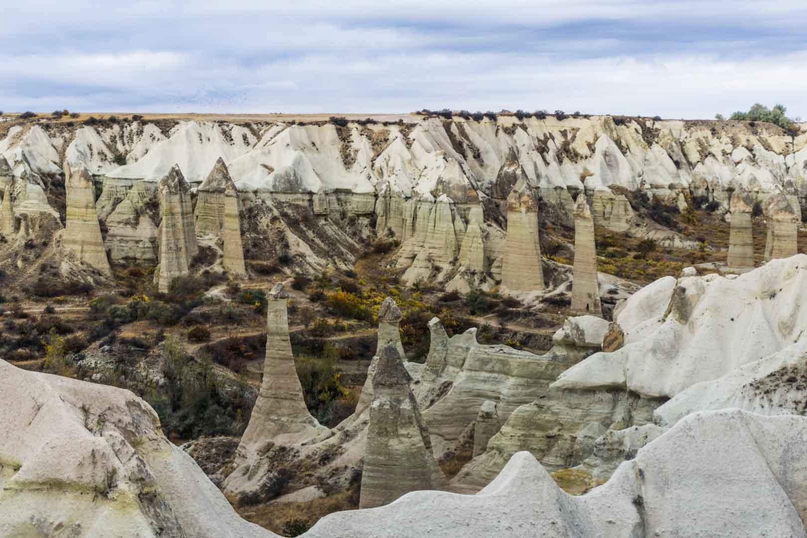 Cappadocia cappadoce turquie turkey serialhikers jul et gaux autostop volontariat hitchhiking world tour volonteering adventure aventure Pancarlık cheminées fée chimney fairy