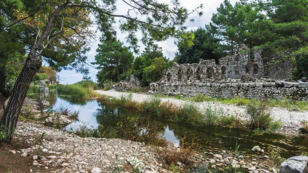 Turquie Olympos archaeological archéologie Turkey serialhikers tour du monde world trip voyage alternatif autostop hitchhiking volontariat volonteering adventure aventure
