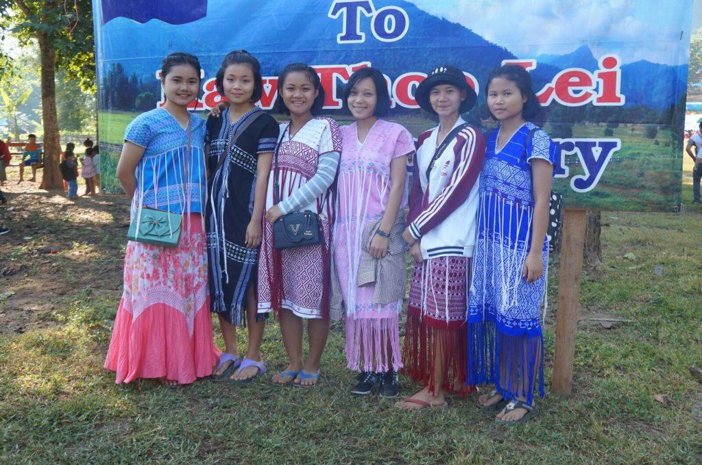 SerialHikers stop autostop world monde tour hitchhiking aventure adventure alternative travel voyage sans avion no fly Karen Birmanie conflits ethniques