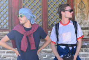 SerialHikers stop autostop world monde tour hitchhiking aventure adventure alternative travel voyage sans avion no fly auteur Clement Raph