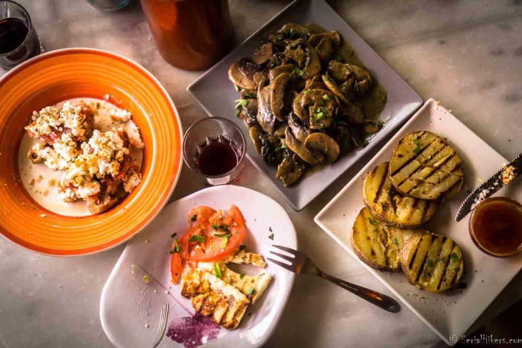 Jul&Gaux SerialHikers autostop hitchhiking aventure adventure alternative travel voyage volontariat volonteering recettes recipes food cuisine greece grece