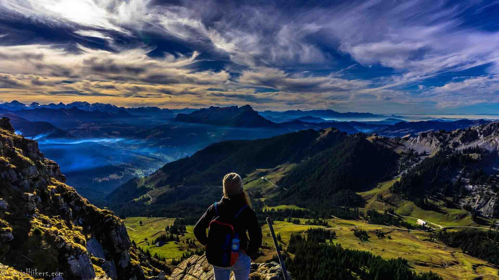 SerialHikers stop autostop world monde tour hitchhiking aventure adventure alternative travel voyage sans avion no fly montagnes suisse