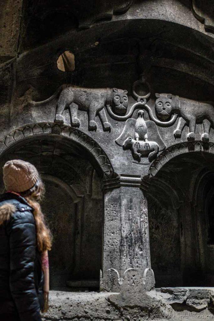 backpacking Jul&Gaux SerialHikers autostop hitchhiking aventure adventure alternative travel voyage volontariat volonteering caucase armenia armenie geghard monastery monastère