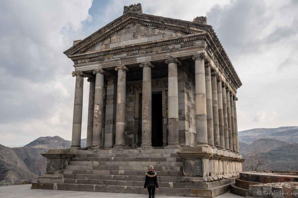 backpacking Jul&Gaux SerialHikers autostop hitchhiking aventure adventure alternative travel voyage volontariat volonteering caucase armenia armenie garni temple
