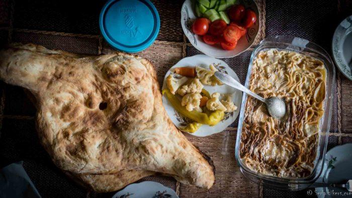 Jul&Gaux SerialHikers autostop hitchhiking aventure adventure alternative travel voyage volontariat volonteering recettes recipes food cuisine caucase armenia armenie georgie georgia