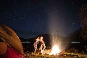 backpacking Jul&Gaux SerialHikers autostop hitchhiking aventure adventure alternative travel voyage volontariat volonteering caucase armenia armenie camping tente stars wild