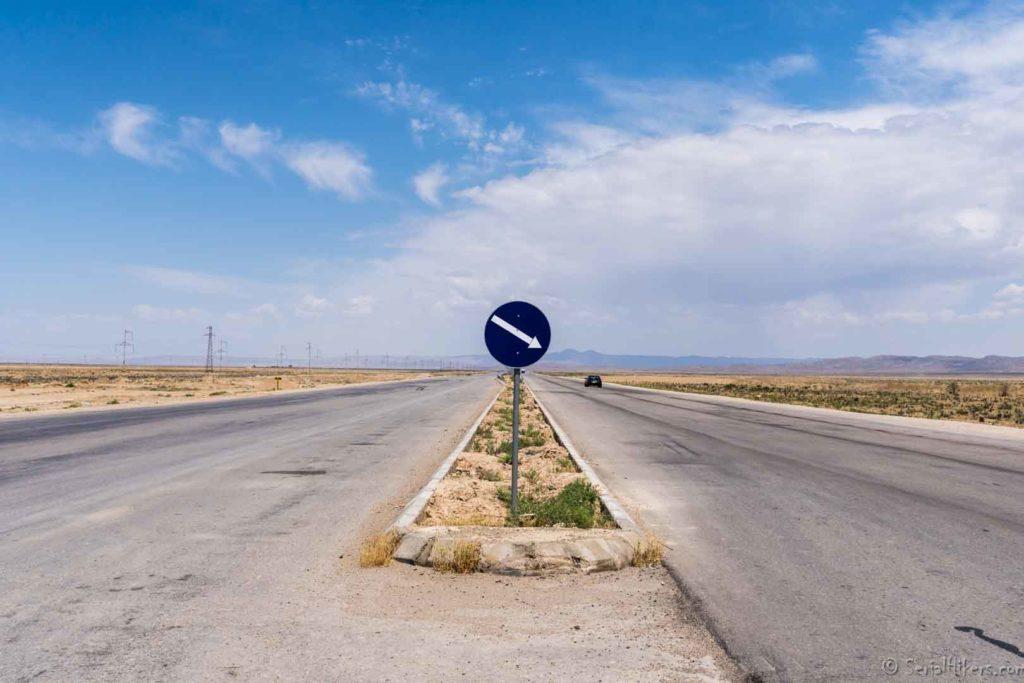 achgabat ashgabat balkanabat bektash transit turkmenistan serialhikers tour du monde world trip voyage alternatif autostop hitchhiking volontariat volonteering adventure aventure