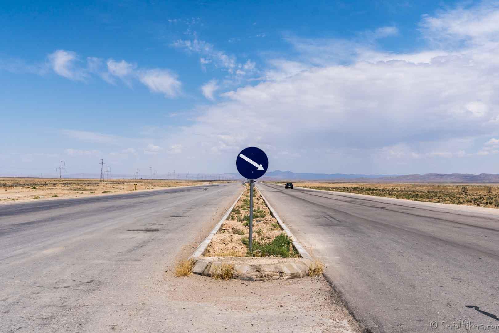 SerialHikers stop autostop world monde tour hitchhiking aventure adventure alternative travel voyage sans avion no fly balkanabat bektash transit turkmenistan