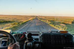 Kazakhstan route steppe autostop camion