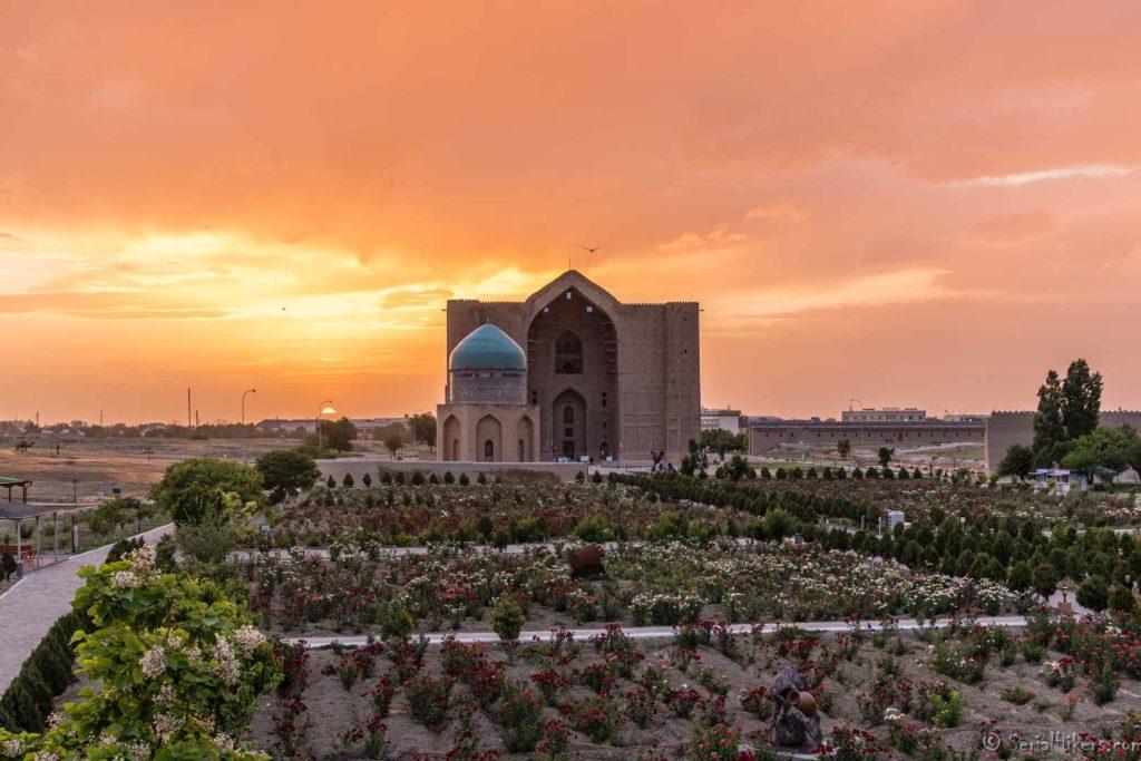 SerialHikers stop autostop world monde tour hitchhiking aventure adventure alternative travel voyage sans avion no fly Kazakhstan Turkestan