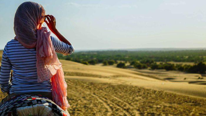 Jul&Gaux SerialHikers autostop hitchhiking aventure adventure alternative travel voyage volontariat volonteering couchsurfing trustroots inde desert