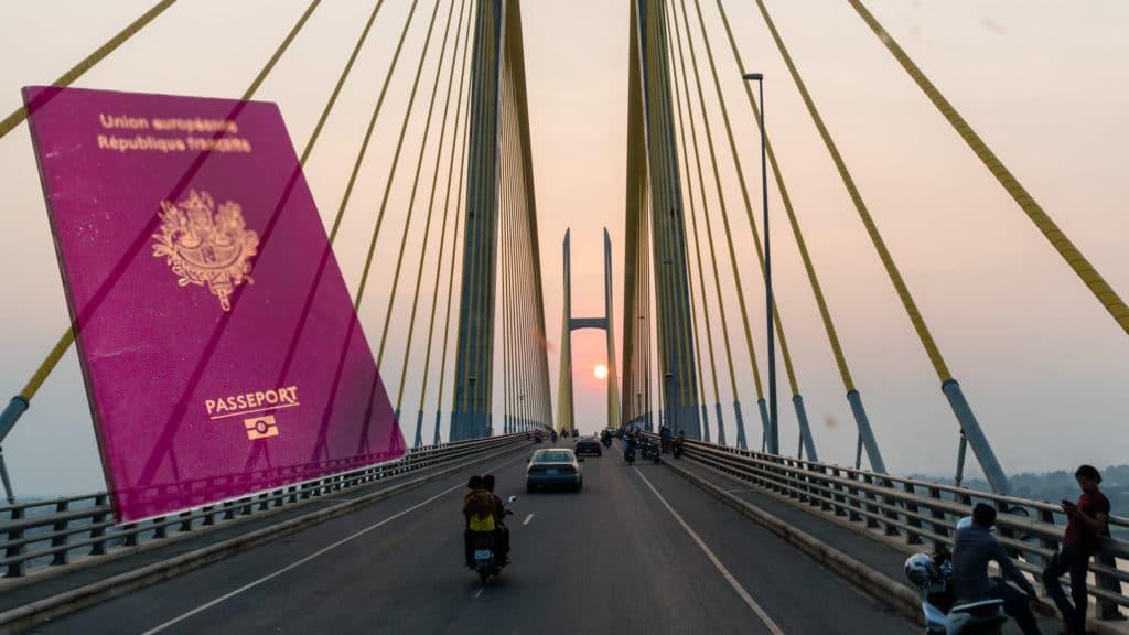 SerialHikers stop autostop world monde tour hitchhiking aventure adventure alternative travel voyage sans avion no fly cambodge cambodia visa frontière border bavet moc bai