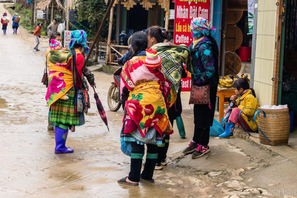 backpacking Jul&Gaux SerialHikers stop autostop world tour hitchhiking aventure adventure alternative travel voyage volontariat volonteering vietnam sapa Tan Van