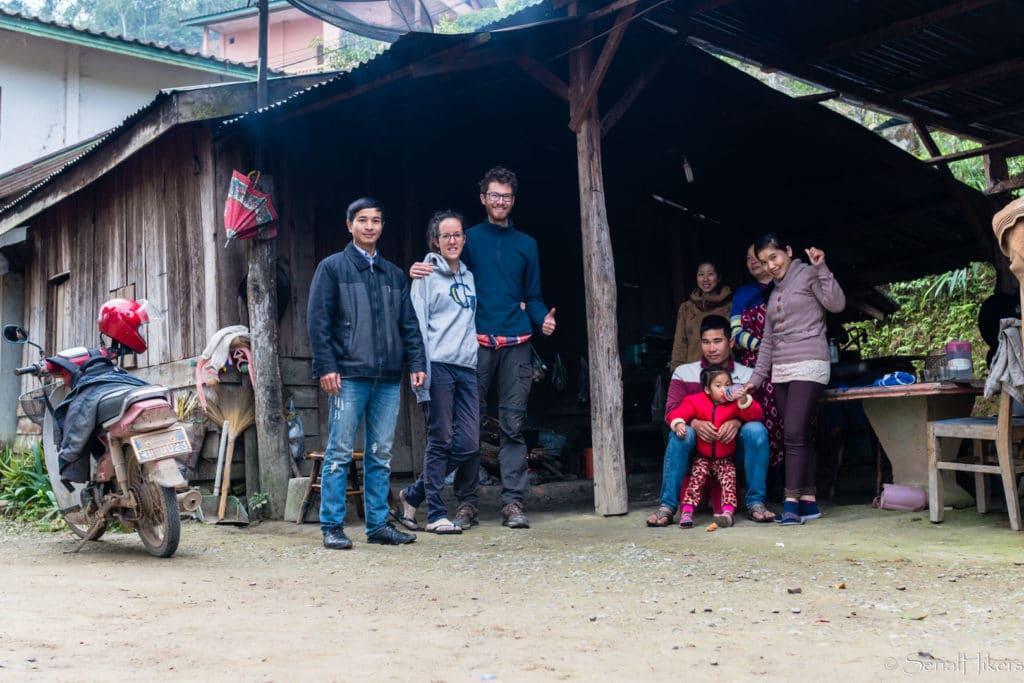 backpacking Jul&Gaux SerialHikers stop autostop world tour hitchhiking aventure adventure alternative travel voyage volontariat volonteering roadtrip laos hôte host