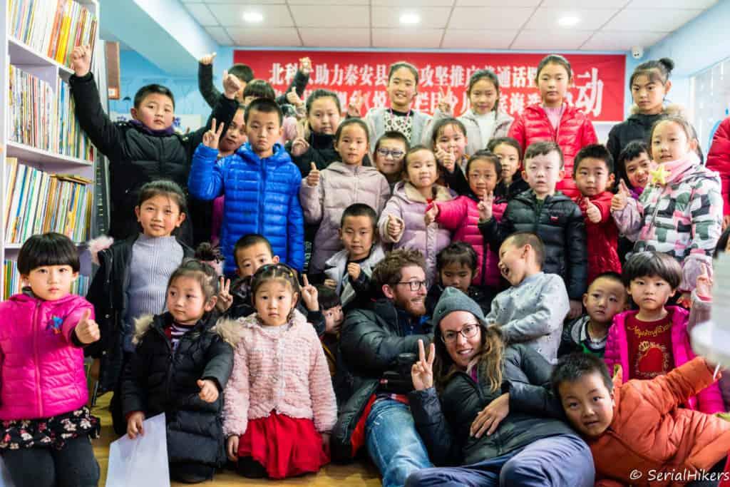 backpacking Jul&Gaux SerialHikers autostop hitchhiking aventure adventure alternative travel voyage volontariat volonteering china chine gansu tianshui enfants kids