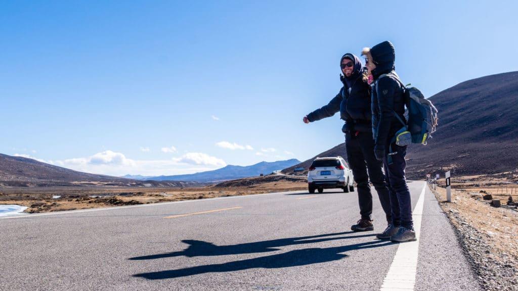 backpacking Jul&Gaux SerialHikers autostop hitchhiking aventure adventure alternative travel voyage volontariat volonteering china chine tibet