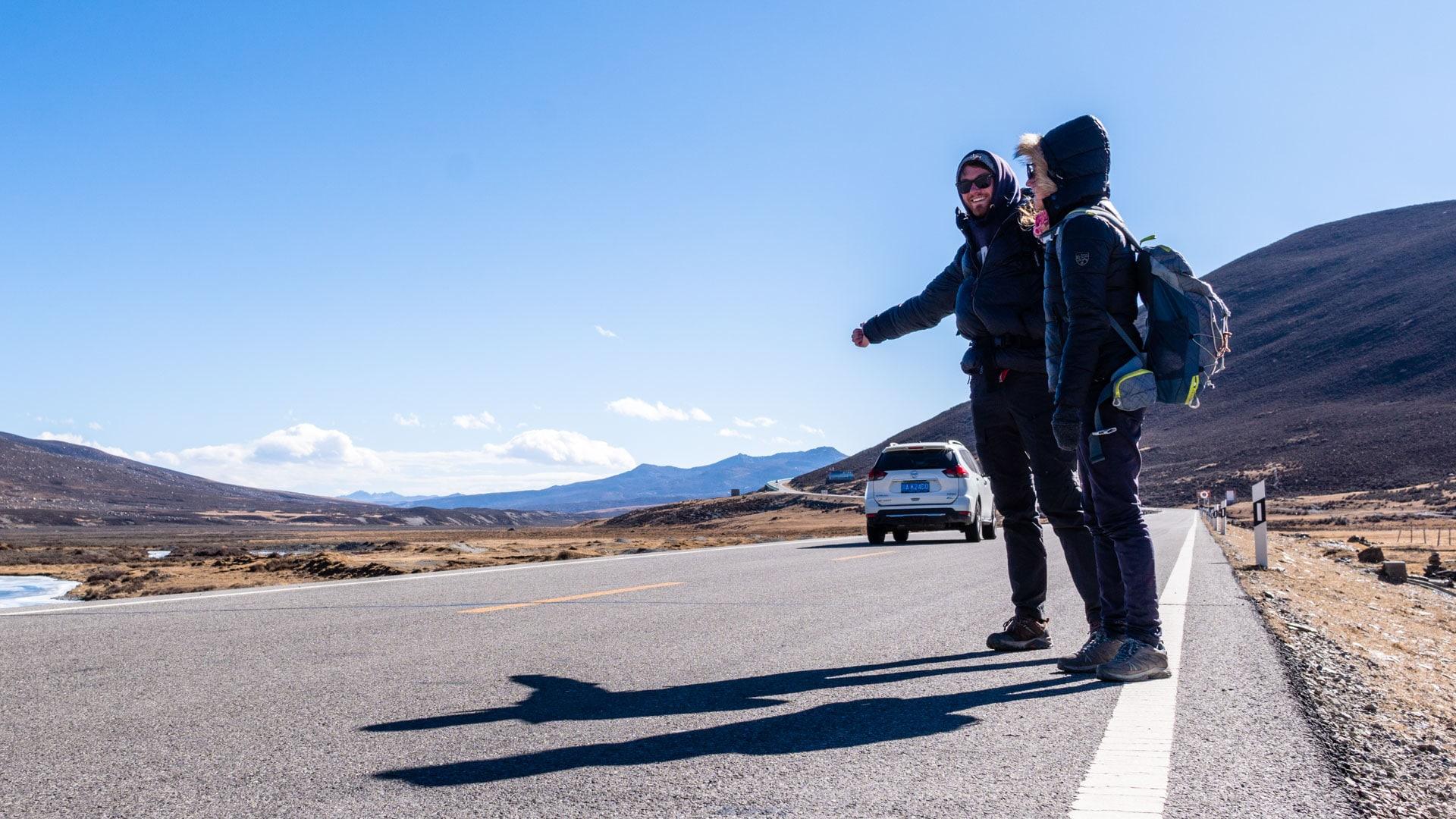 SerialHikers stop autostop world monde tour hitchhiking aventure adventure alternative travel voyage sans avion no fly china chine tibet litang carbon footprint