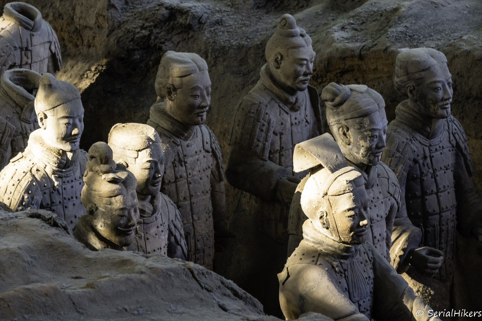 SerialHikers stop autostop world monde tour hitchhiking aventure adventure alternative travel voyage sans avion no fly china chine shaanxi xian terracotta army armee terre cuite