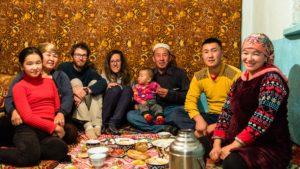 Couch-surfing, Volontariat: guide de l'hébergement alternatif en voyage