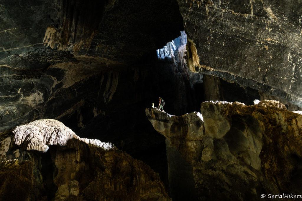 backpacking Jul&Gaux SerialHikers autostop hitchhiking aventure adventure alternative travel voyage volontariat volunteering Laos grotte cave Vang Vieng