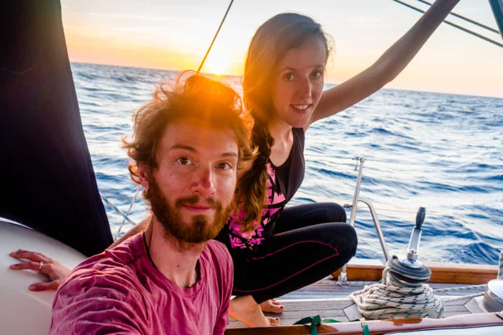 backpacking Jul&Gaux SerialHikers stop autostop world tour hitchhiking aventure adventure alternative travel voyage volontariat volonteering hong kong voilier bateau trois ans three years